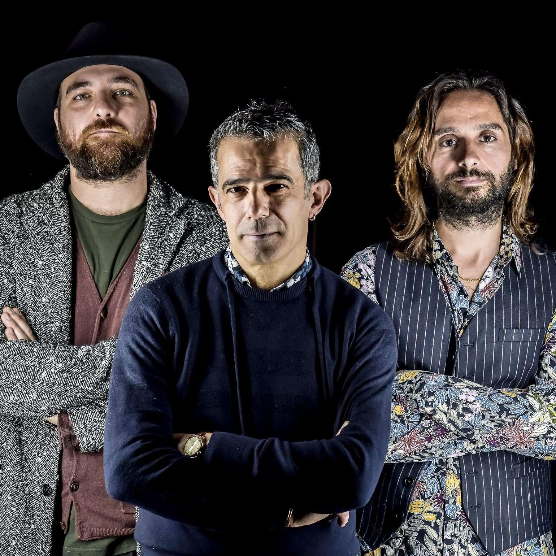 6  agosto Paolo Fresu Trio (Lo Quarter) LARGO LO QUARTER  / SS