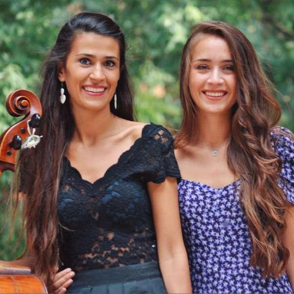 Camera con Vista - The Shirvani Sisters Cascina Parco Gallo - Sala 1° piano / BS